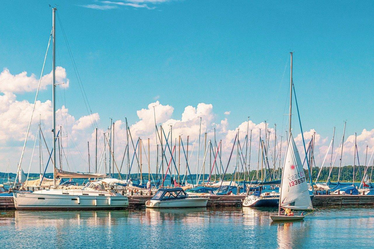 Hafen mit Booten